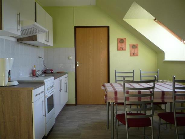 ferienwohnung kretschmer dessau compare deals. Black Bedroom Furniture Sets. Home Design Ideas