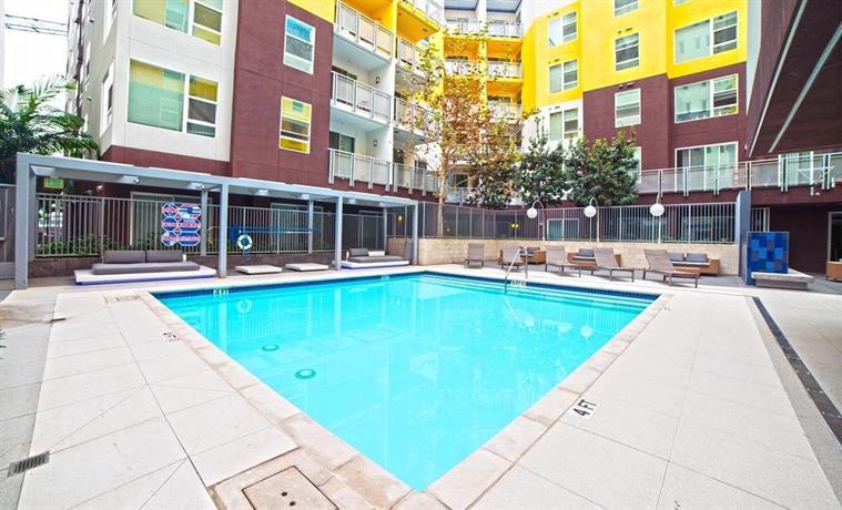 Wilshire Place Apartment