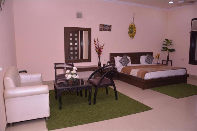 Midtown Hotel and Banquets, Moradabad - Compare Deals