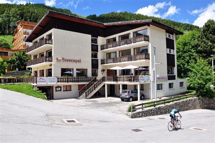 Hotel le provencal les deux alpes compare deals for Comparer les hotels