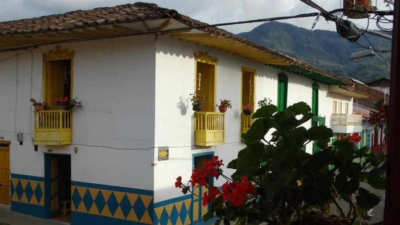 La casa amarilla jardin jard n confronta le offerte for Casa amarilla la serena