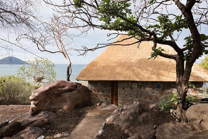About Safari Beach Lodge Salima