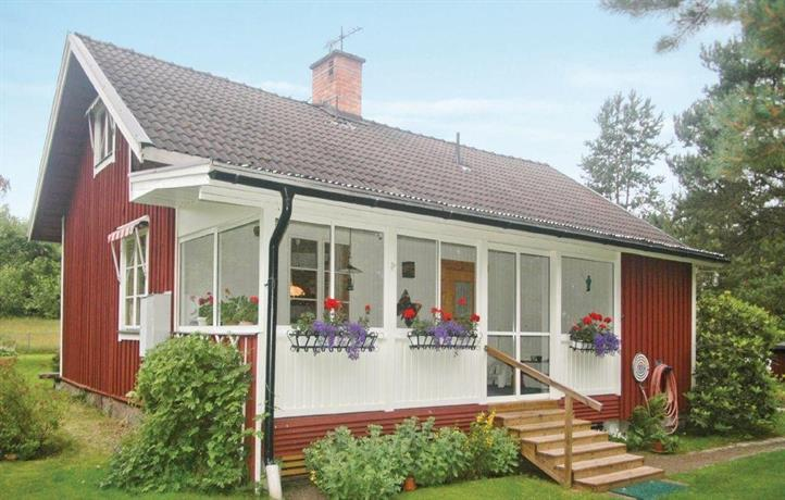 Holiday home Risaters gard Rada
