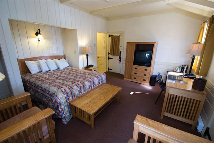 About Bright Angel Lodge And Cabins