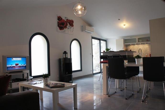 Appartement de charme bordeaux chatrons compare deals for Appartement in bordeaux