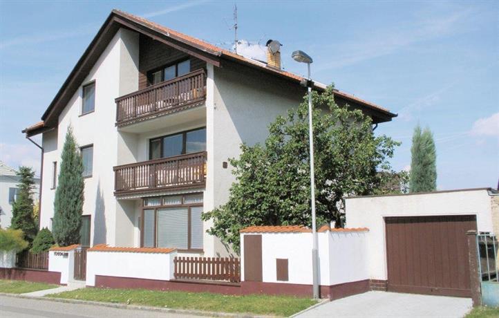 Holiday home Praha 9-H Pocernice MN-706