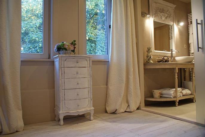 la roseraie tournai comparer les offres. Black Bedroom Furniture Sets. Home Design Ideas