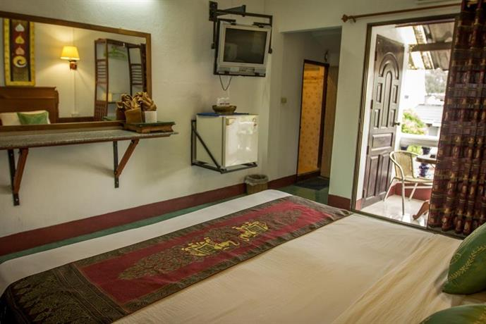Rendezvous guesthouse chiang mai compare deals for Rendezvous classic house