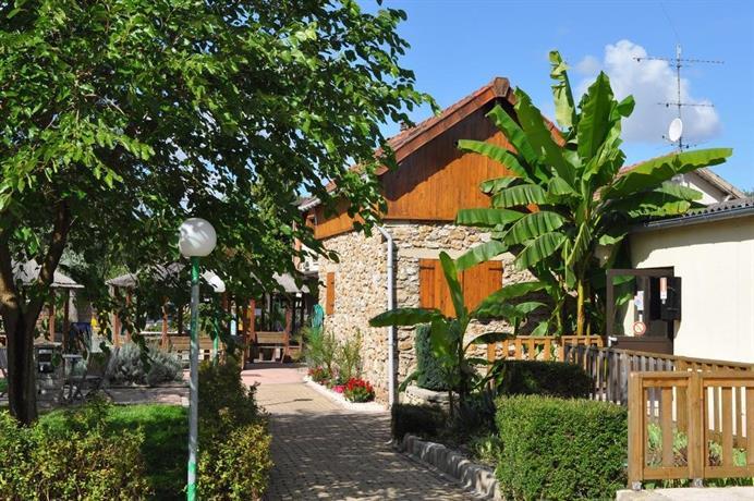 Camping Paris Beau Village, Sainte Genevieve des Bois Compare Deals # Green Hotel Sainte Genevieve Des Bois