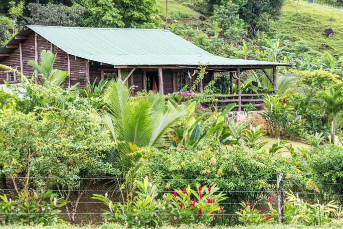 Cabina montanas del tenorio bijagua de upala compare deals for Affitti cabina cabina resort pinecrest