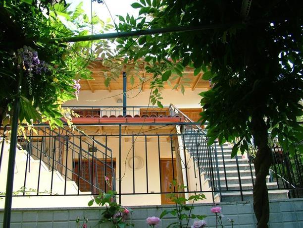 Nissaki Apartments