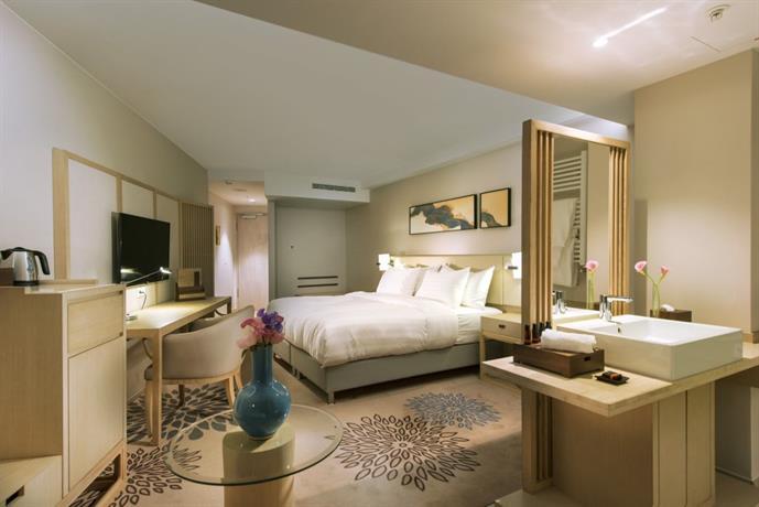 new century hotel frankfurt offenbach frankfurt am main compare deals. Black Bedroom Furniture Sets. Home Design Ideas