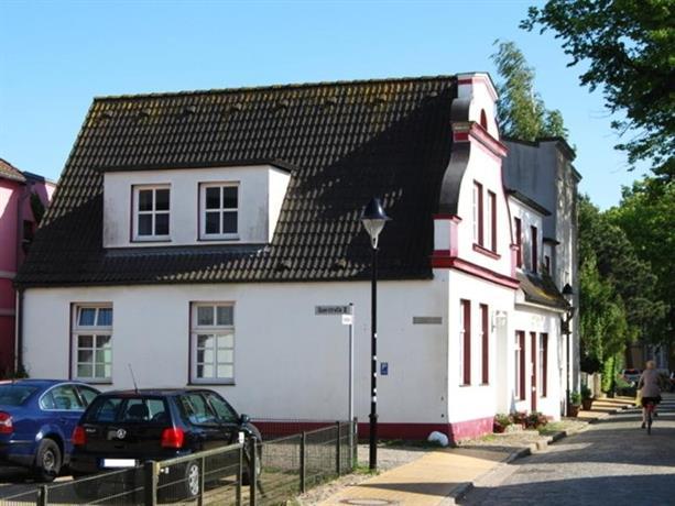 Gastehaus belvedere in warnemunde compare deals for Warnemunde appartements