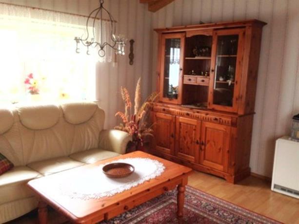 bungalow mit kamin in ribnitz. Black Bedroom Furniture Sets. Home Design Ideas