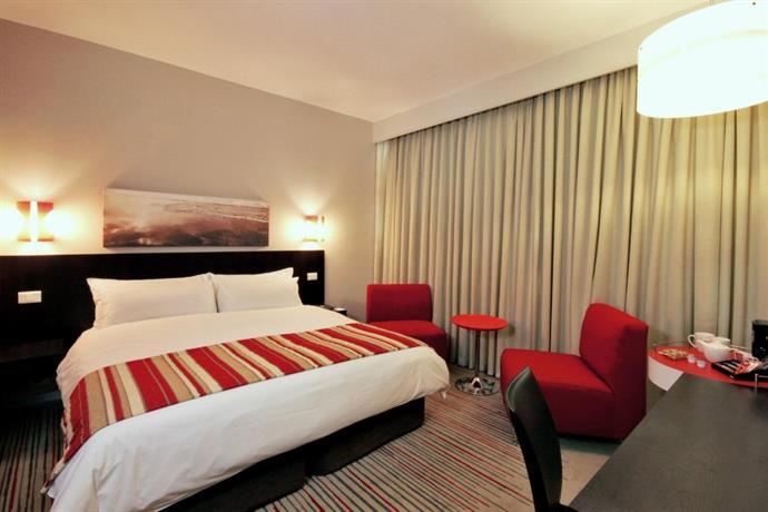 About Garden Court Kings Beach Hotel Port Elizabeth