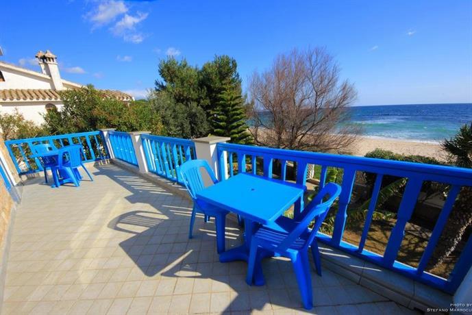 La casa sulla spiaggia quartu sant 39 elena compare deals for Piani casa sulla spiaggia