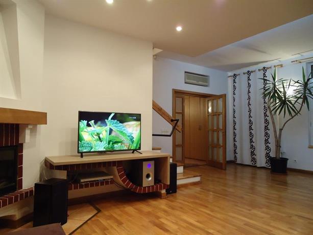 Bucharest apartments centru civic bucharest compare deals for Bucharest apartments