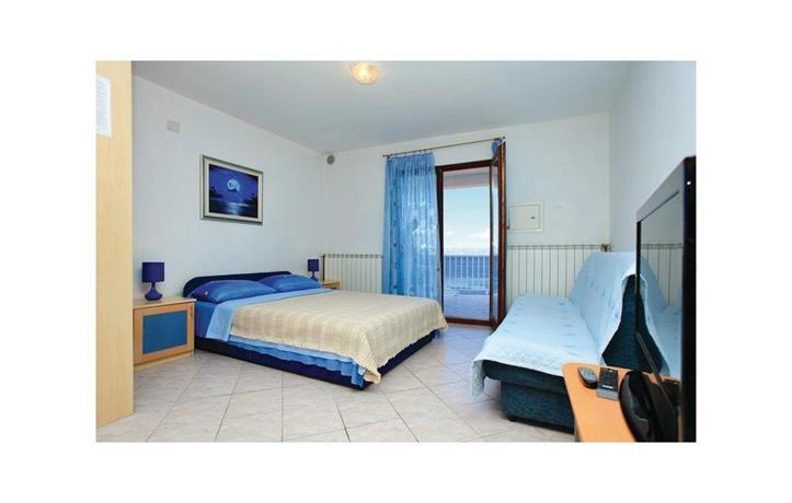 Apartment Blato Prigradica II