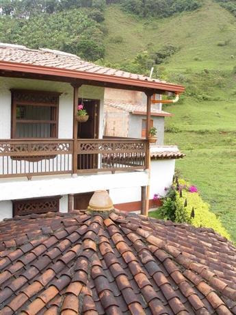 Casa campestre jardin antioquia compare deals for Antioquia jardin