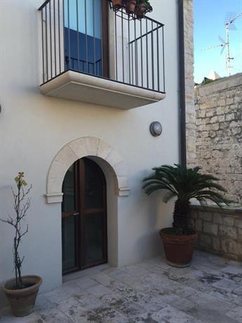 Casa torre di mactheus petaro giovinazzo compare deals for Piani di casa torre allerta