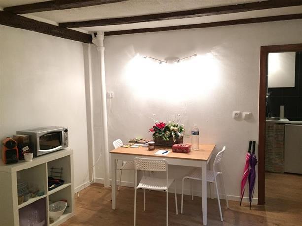 studio petite france strasbourg compare deals. Black Bedroom Furniture Sets. Home Design Ideas