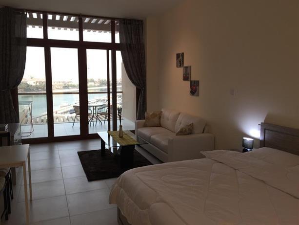Yanjoon Holiday Homes - Palm Views Apartments