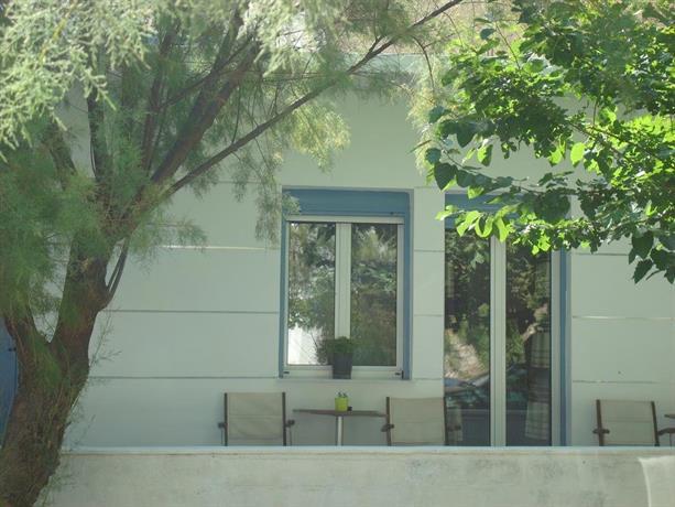 Smaragdi House