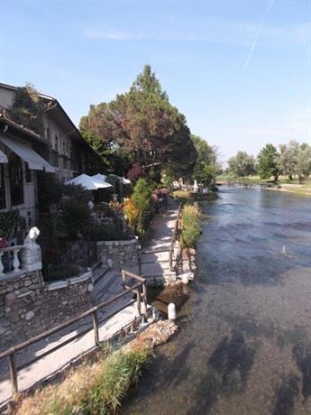 La casa di edo sul fiume goito compare deals for Piccoli piani di casa sul fiume