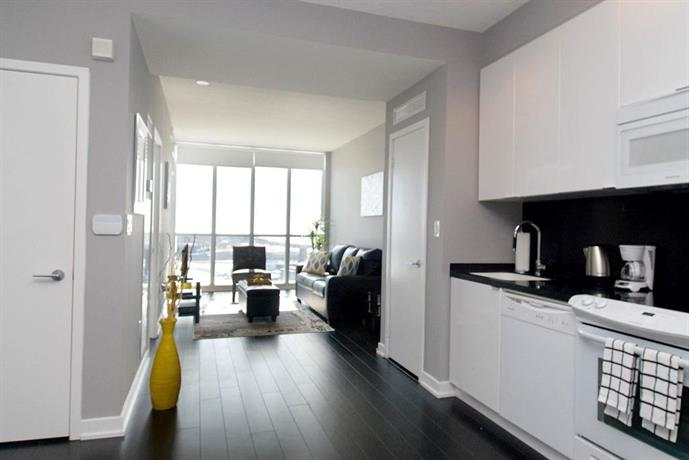 Whitehall suites lakeview suites toronto compare deals for 15 iceboat terrace amenities