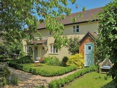 Granary Cottage Forward Green