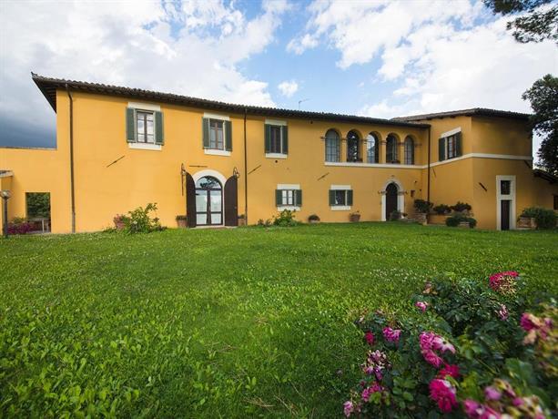 Casa dei lecci foligno compare deals for Casa it foligno