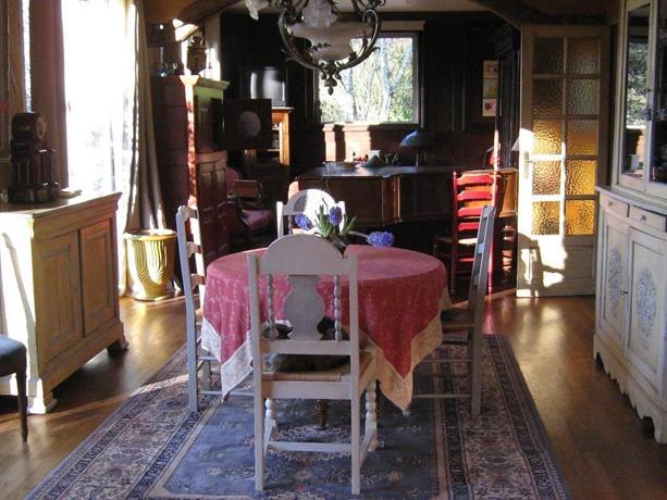 Chambres d 39 hotes saint aignan saint aignan compare deals for Chambre d hote 41110 saint aignan
