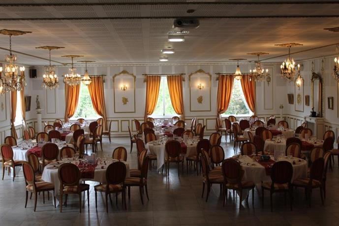 Chateau de la Chapelle des Bois, Fleurie Compare Deals # Hotel La Chapelle Des Bois