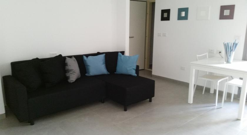 Cozy apartment in the heart of jerusalem compare deals for Appart hotel jerusalem