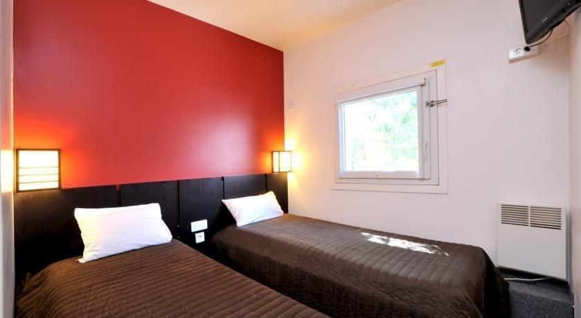 hotel class 39 eco evry compare deals. Black Bedroom Furniture Sets. Home Design Ideas