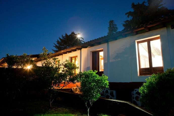 Villa del lago patzcuaro compare deals for Hotel villa del lago