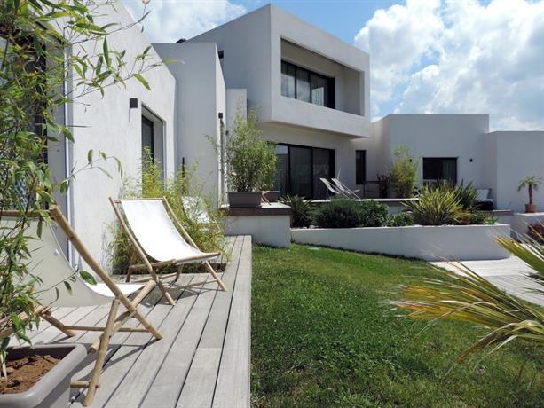 villa le sud cassis compare deals. Black Bedroom Furniture Sets. Home Design Ideas