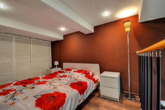 Dvuhurovnevyie V Stile Loft Apartments