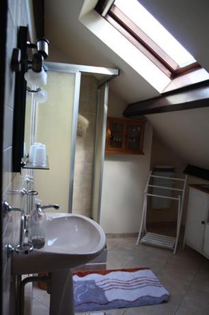 chambre d 39 hotes les chenes limoges comparar ofertas. Black Bedroom Furniture Sets. Home Design Ideas