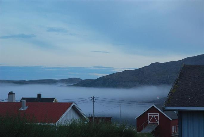 Kongsfjord Holiday Home