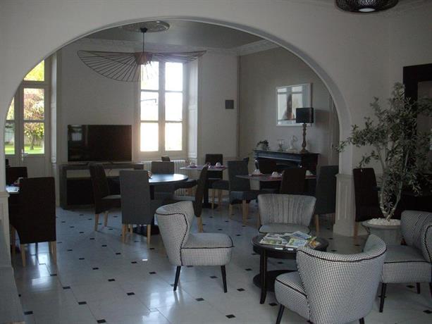 hotel le saint martin sable sur sarthe compare deals. Black Bedroom Furniture Sets. Home Design Ideas