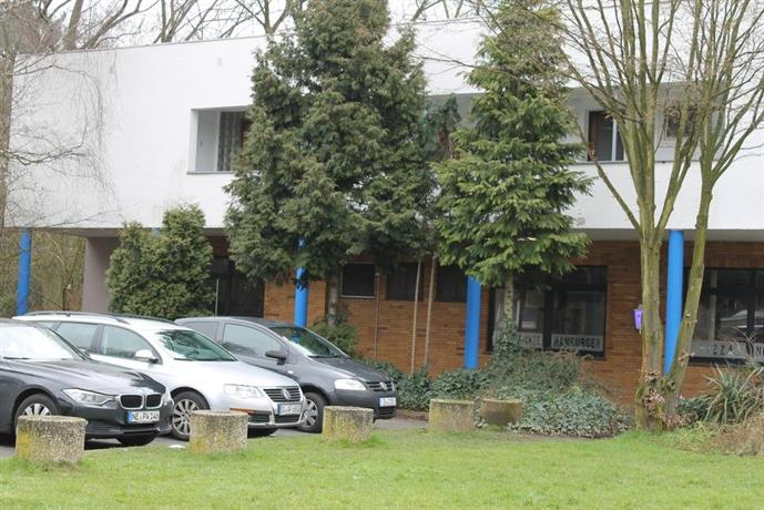 City apart duss dusseldorf compare deals for Appart hotel dusseldorf