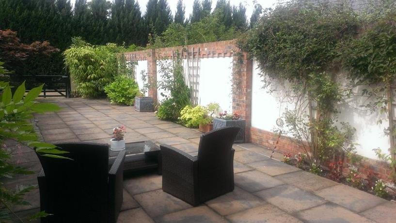 Windsor garden studio for Windsor garden studio