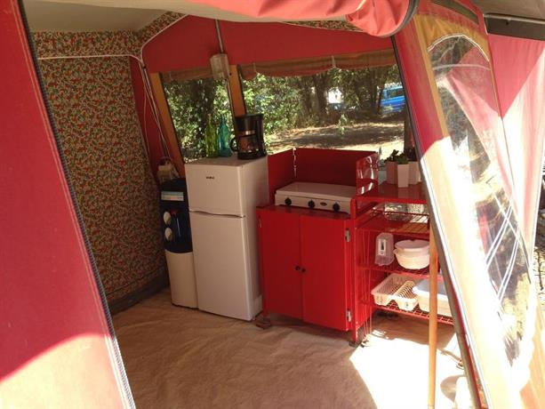 About Easy a Tent Bungalow Tent Vestar & Easy a Tent Bungalow Tent Vestar Rovinj - Compare Deals