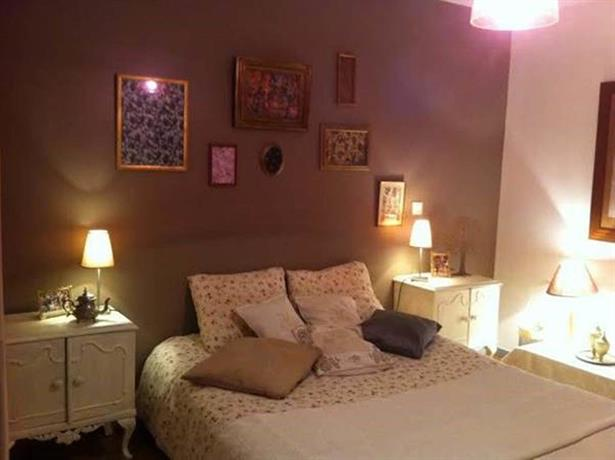 la chambre d 39 hote de mano centre ville de bayonne compare deals. Black Bedroom Furniture Sets. Home Design Ideas