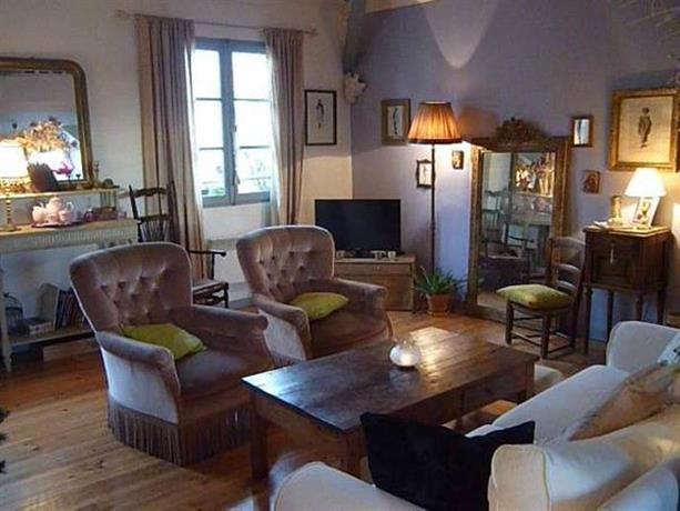 la chambre d 39 hote de mano centre ville de bayonne vergelijk aanbiedingen. Black Bedroom Furniture Sets. Home Design Ideas