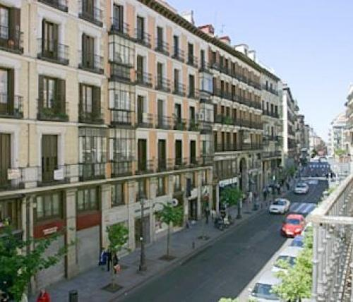 Chaplin apartment madrid hotels madrid for Appart hotel madrid