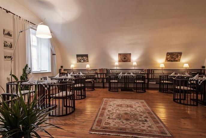 Domus henrici boutique hotel prague compare deals for Domus hotel prague