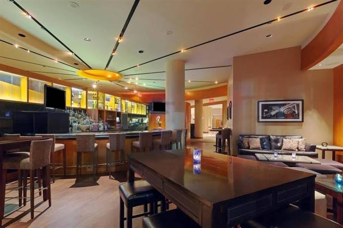 Crowne Plaza Cleveland At Playhouse Square Compare Deals