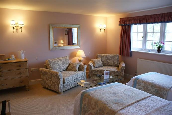Old Pond Cottage Wisborough Green Compare Deals